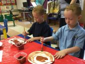 painting Gruffalo masks